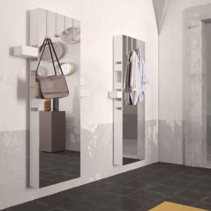 specchio contenitivo Betty di Minotti Italia