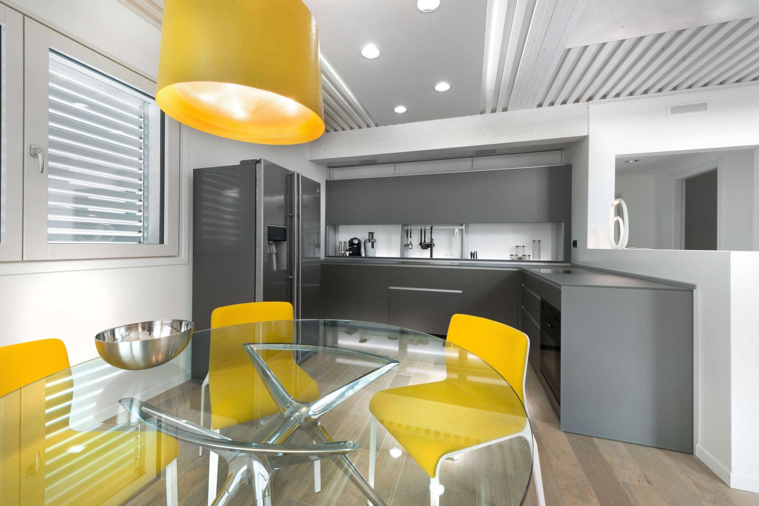 Casa passiva: in giallo e titanio